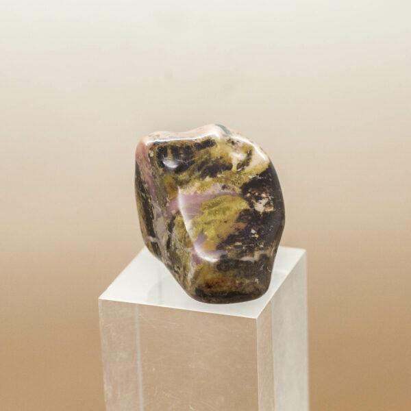 Bustamite Tumbled stone side 3