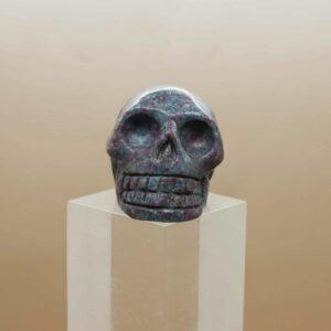 Kyanite Ruby Skull (1)