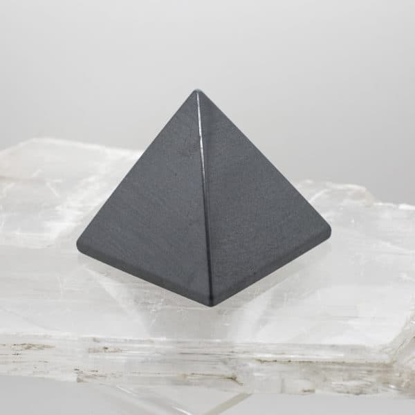 Hematite Pyramid (1)