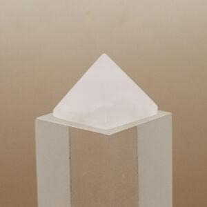 Mangano Calcite Pyramid (1)