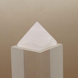 Mangano Calcite Pyramid (2)
