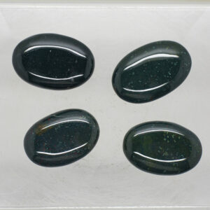 Bloodstone Hand stone (1)