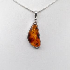 amber pendant (1)
