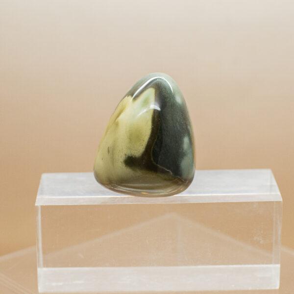 polychrome jasper hand stone (1)