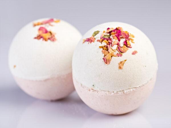 rosey geranium bath bomb